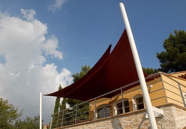 Installation toiles parasol sur mesure à Saint-Tropez, Sainte-Maxime