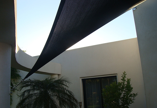 Terrace shade sail in Villeneuve-Loubet, Saint-Raphaël